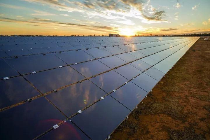 卡特光伏,碲化镉薄膜太阳能光伏组件